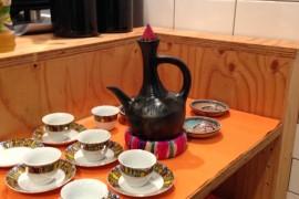 ジャバナとコーヒーカップ
