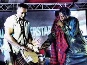 大物の来訪も多い。セネガルの国民的歌手バーバ・マール