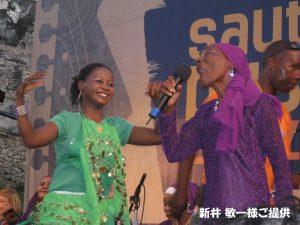 スワヒリ音楽の女王ビ・キドゥデ。3年前のブサラにて 新井 敏一様ご提供