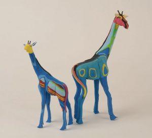 キリン大:29cm、小:21cm