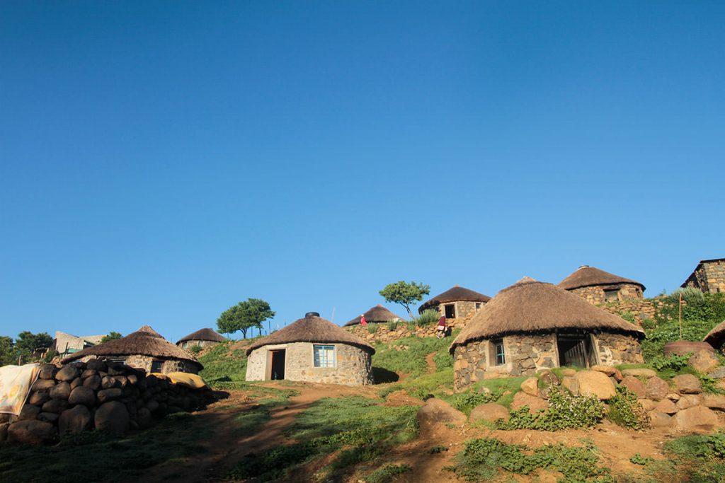 可愛らしい見た目の伝統家屋、バソトハット