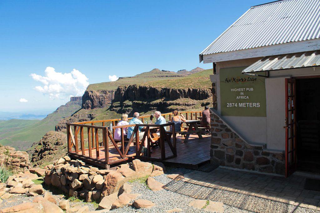 アフリカ大陸で一番高いところにあるパブ