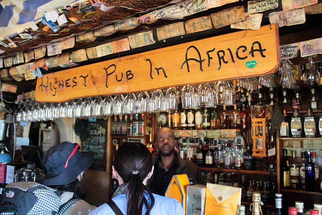 アフリカ大陸で一番高いところにあるパブ2