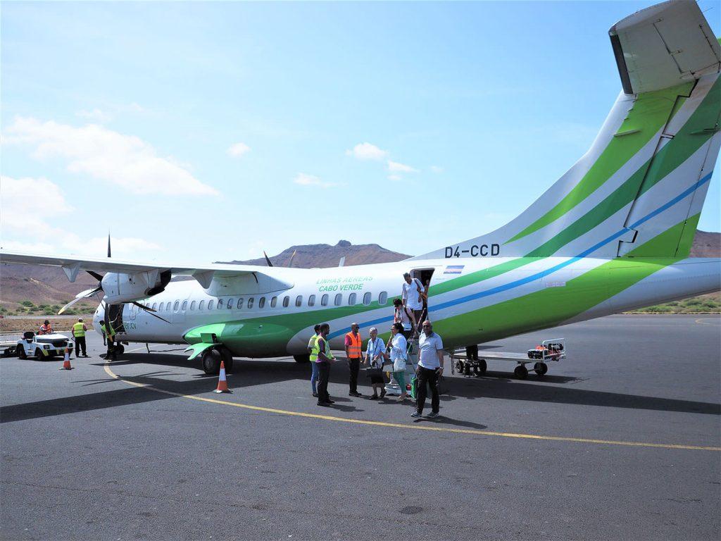 初めて乗りました。カナリア諸島の航空会社、ビンテル・カナリアス航空。緑色のラインが鮮やかです。ちなみに、カーボ・ヴェルデという国名はポルトガル語で「緑の岬」という意味があります。