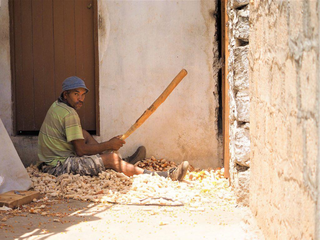 途中の村の茶屋で休憩。