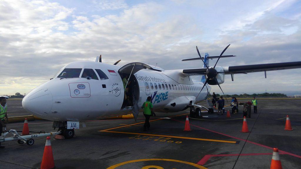 プロペラ機でバリ島からフローレス島へ