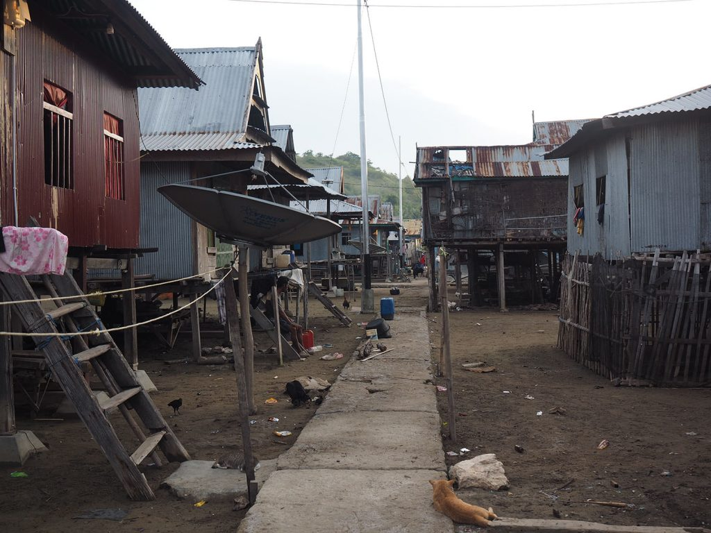漁村らしい、懐かしい家並み