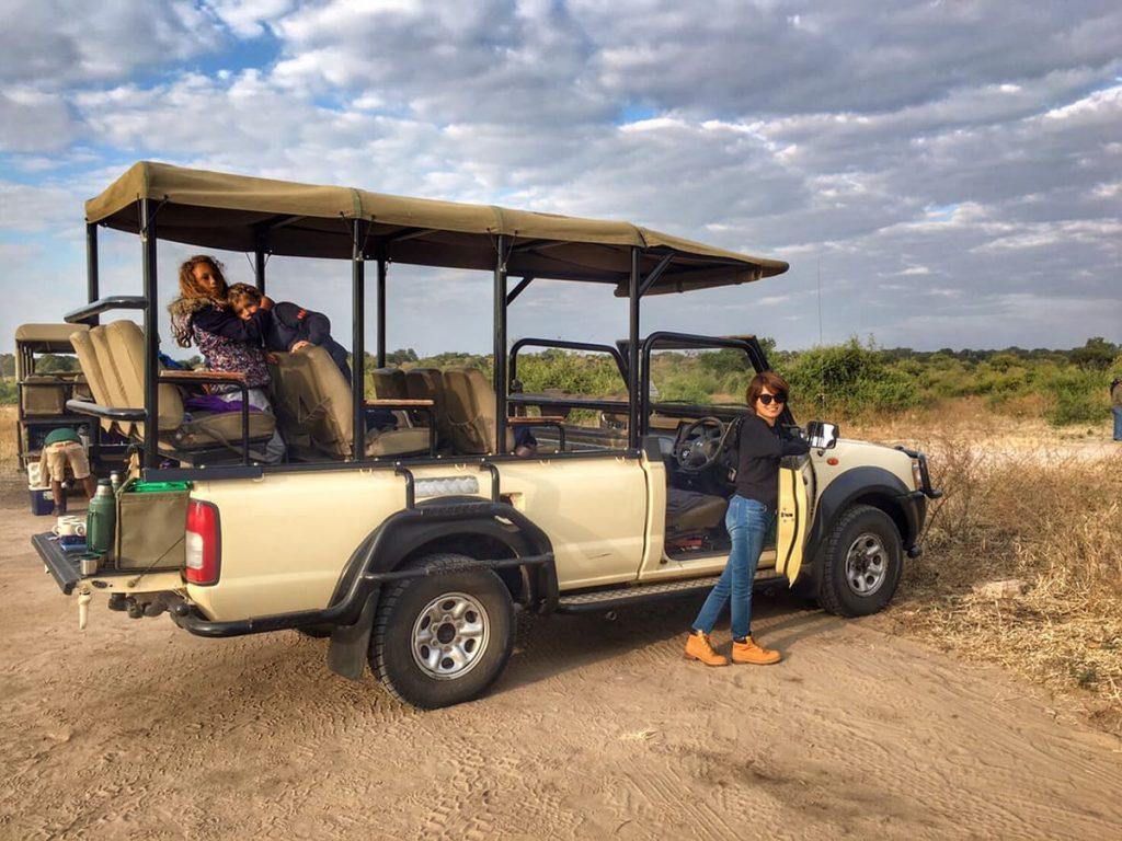 チョベ国立公園でのドライブサファリ