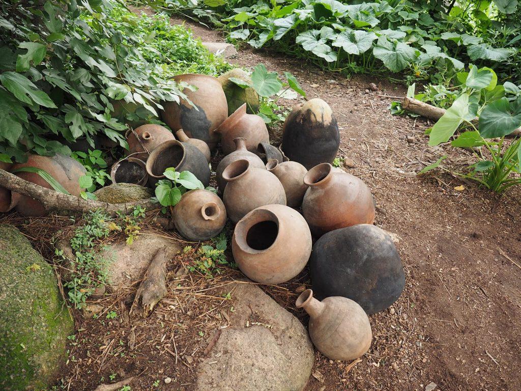 陶器作りは彼らの宗教にも関わる重要な作業です