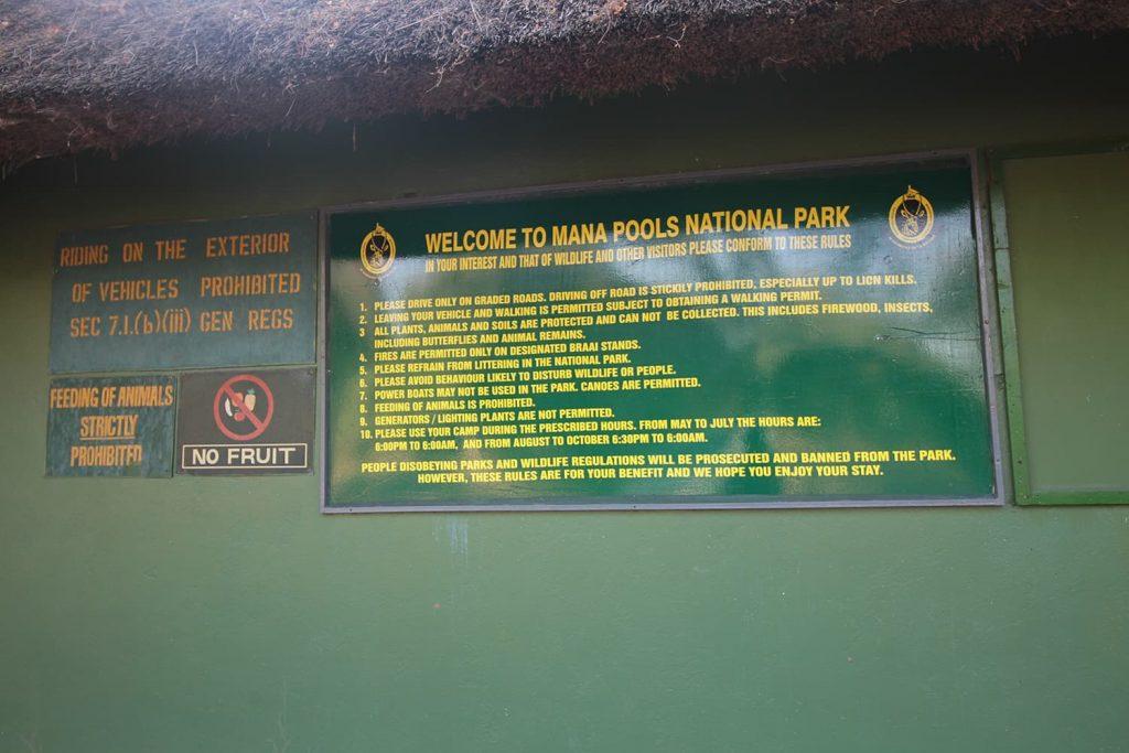 マナプール国立公園は豊かな自然環境で動物との距離も近い