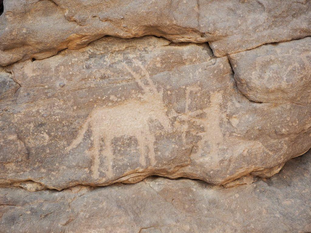 これはおそらく一番古い時代に描かれた、アイベックスを狩るハンターの画でしょうか?