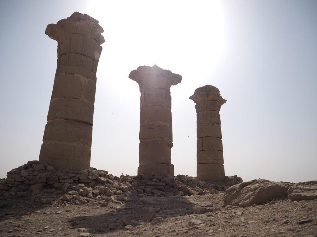 セシビ神殿。地味ですが貴重な遺跡です。ネフェルティティの夫であるアメンホテプ四世(イクナトゥン)の建造したもので現存するのはここのみ。