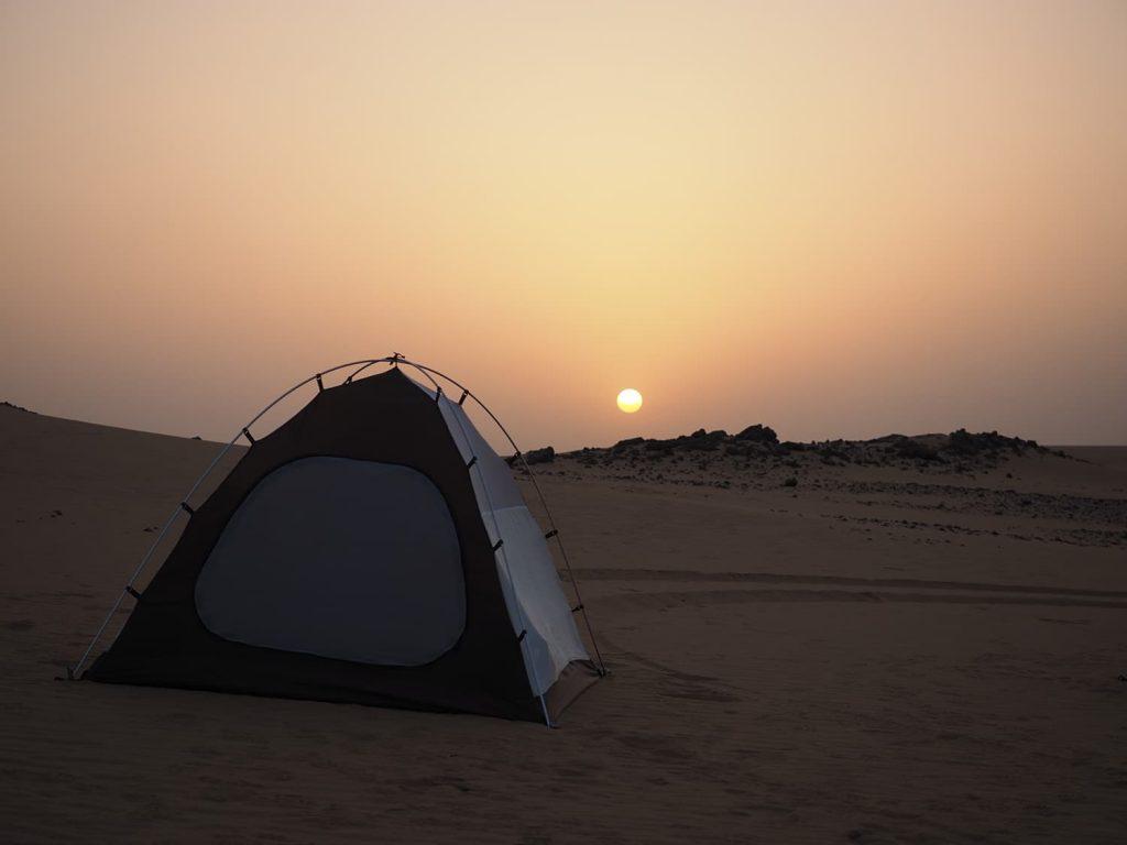 砂漠のテント泊、何もないことが贅沢です。