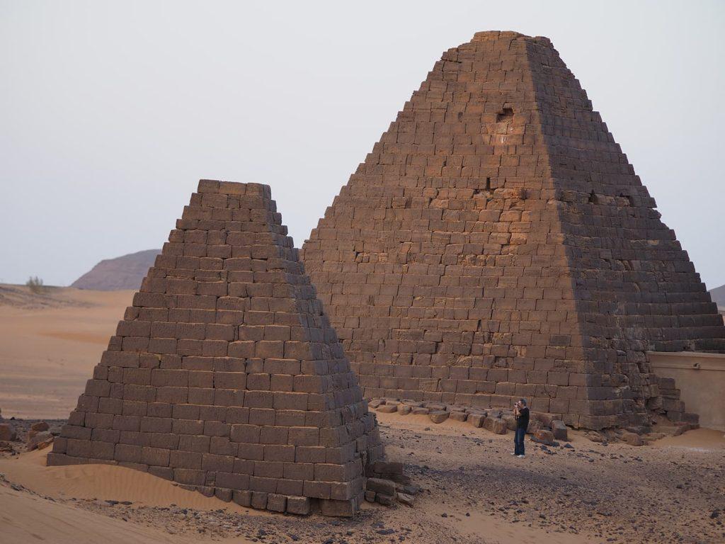 保存状態は様々ですが、やっぱりピラミッド群は見ごたえがあります。