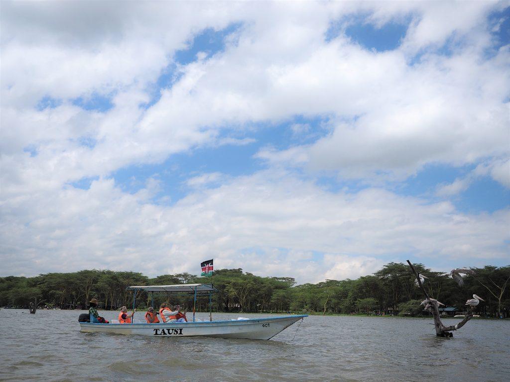 ナクル湖の後はナイバシャ湖に立ち寄り、ボートサファリ!
