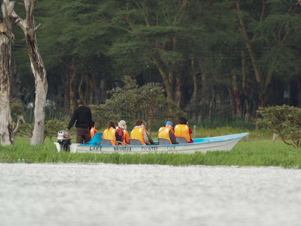 マサイマラへの移動途中、ナイバシャ湖でボートサファリ