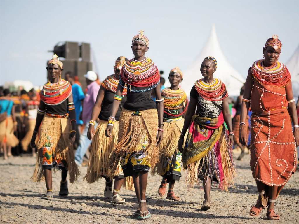 ケニアの最少民族と言われるエルモロの人々。