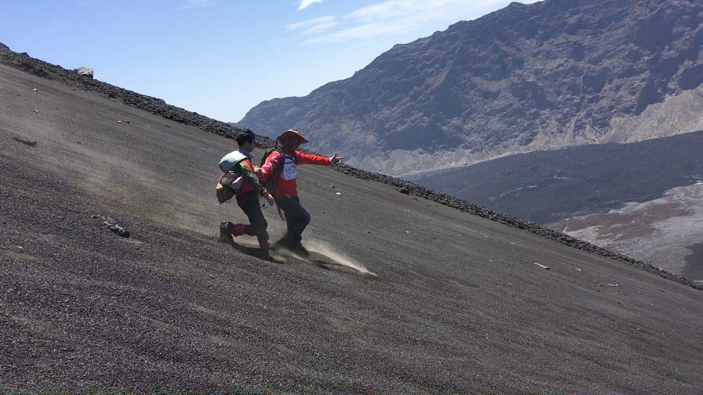 下りは一気に砂地を駆け下ります。これがリズムに乗ると面白いくらいスピードが出ます。
