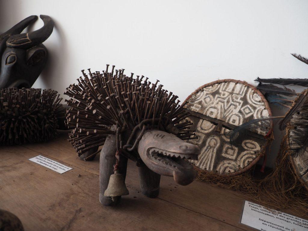 中央部アフリカから、西アフリカのギニア湾岸諸国にも見られるフェティッシュ(呪術)アート。