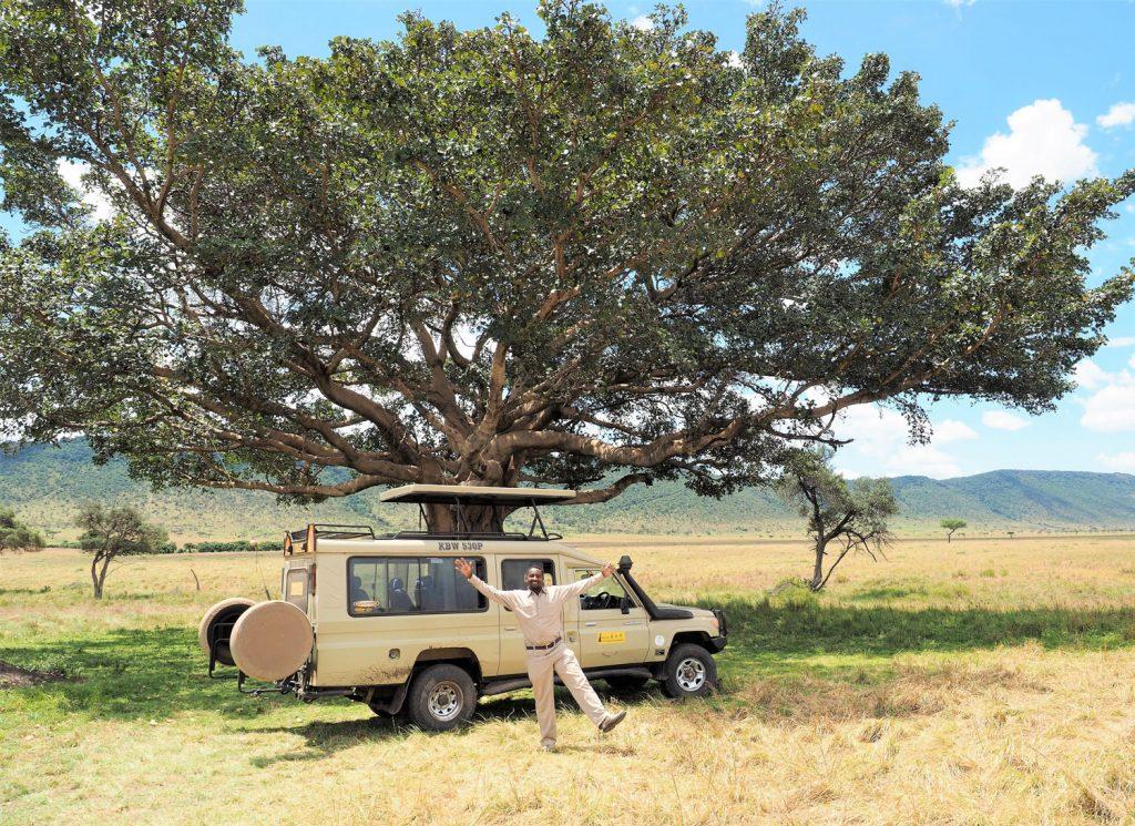 キクユ人であるMrアントニーにとっても大切な樹だそうです。