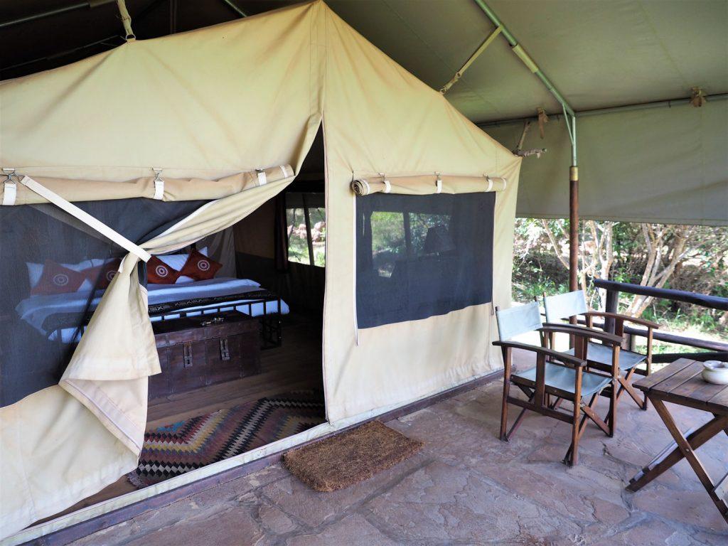 全部で12張り。大きく作られたテント型。