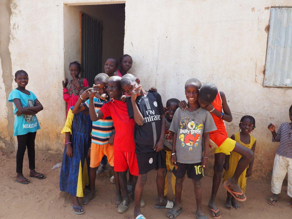 村の子供たち。