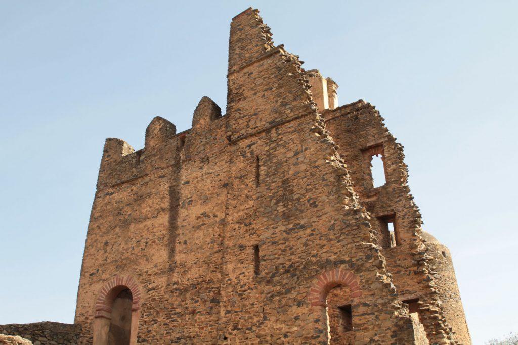 イタリアの統治時代に空爆で一部が破壊されてしまったお城