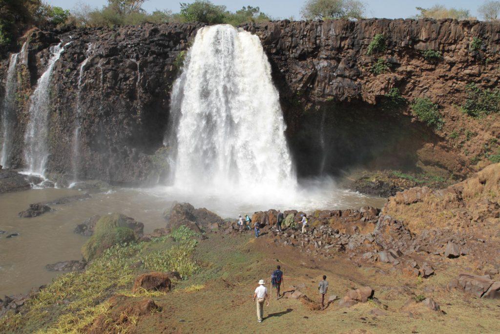 乾季で水量が少ないものの見応えのあるティシサット