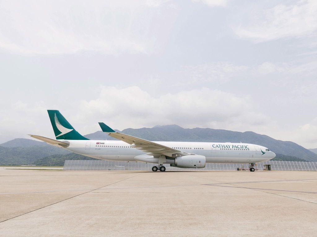小松空港発着が運航するキャセパシフィック航空エアバスA330