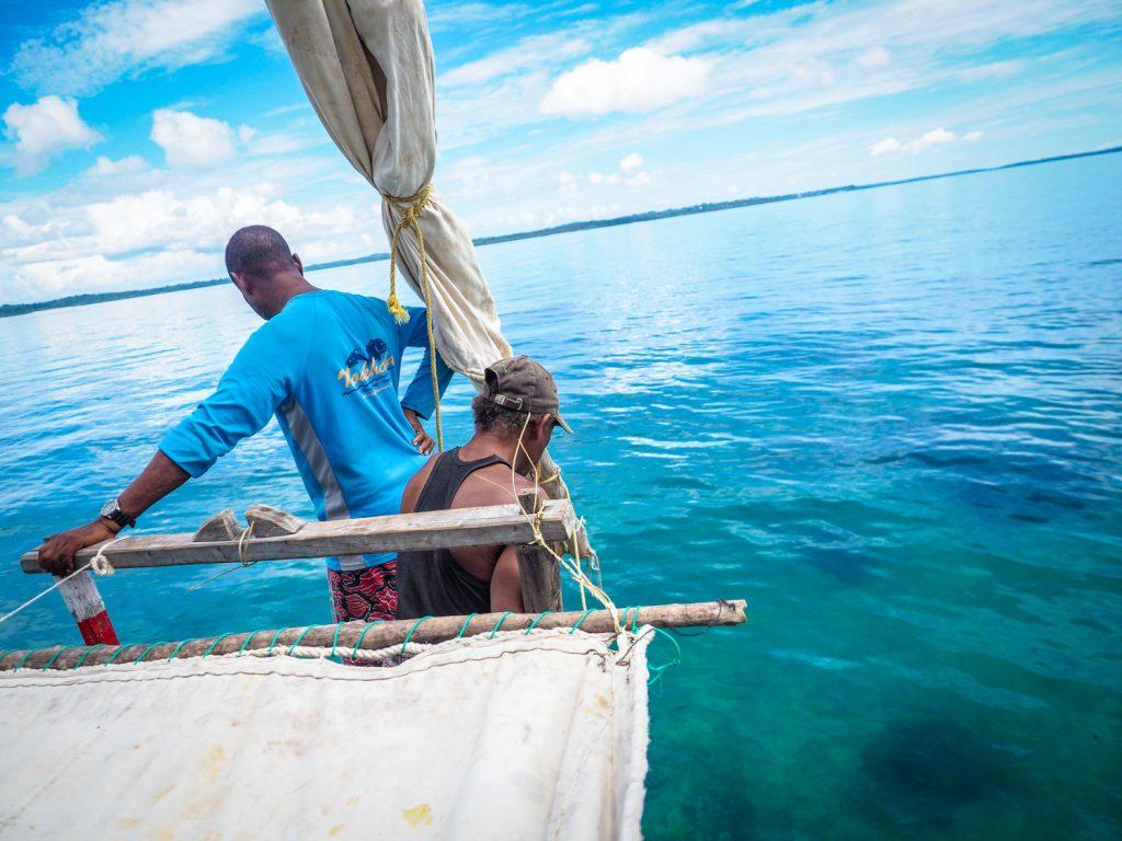嵐が過ぎ去った後は再び快晴。ペンバ・ブルーとも呼ばれる美しい海です。