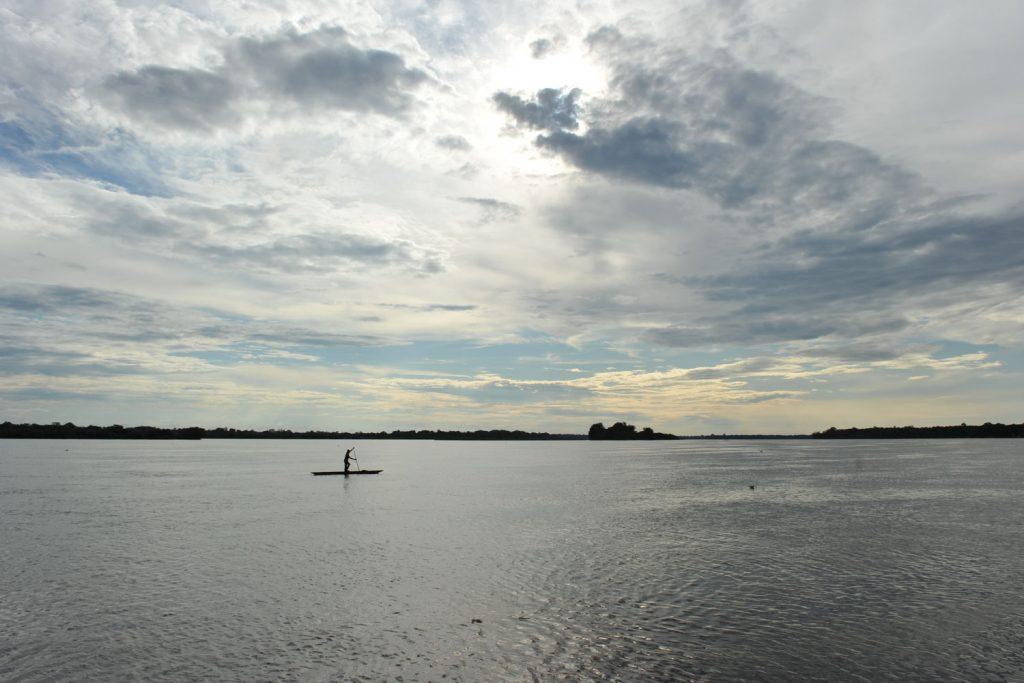すべてを飲み込むように、ゆったりと流れていくコンゴ川