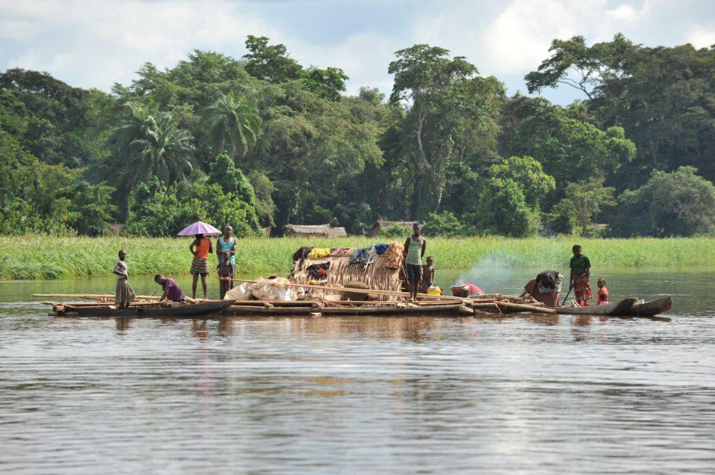 こちらはロケレという水上生活を営む人々