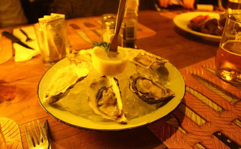アフリカで生牡蠣を食す