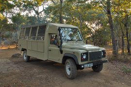 02-Safaricar