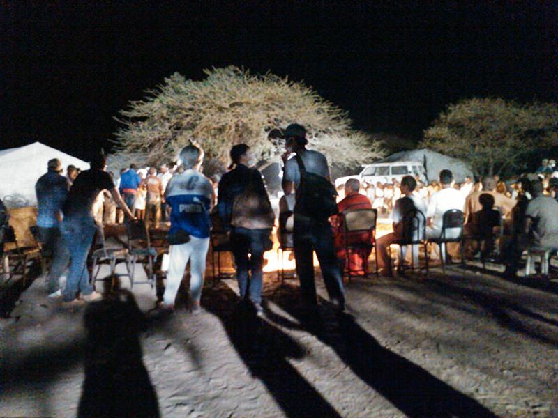 夜を徹して続けられる撮影。