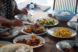 インドネシア料理は日本でもおなじみ。味も美味しい。