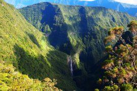 Le Trou de Fer(鉄の穴)という名前を持つ、島を代表する名瀑。