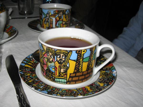 紅茶カップの絵柄もこんなに綺麗です。