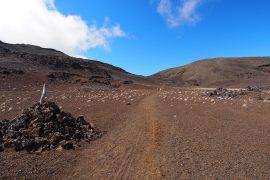 4重のクレーターを持つフルネーズ火山の、3つ目のクレーターに広がるPlaine des Sables(砂の平地)。