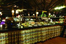 ほとんどのロッジやホテルでビュッフェスタイルなので、お好みで選ぶことができます。食べ過ぎに要注意です。