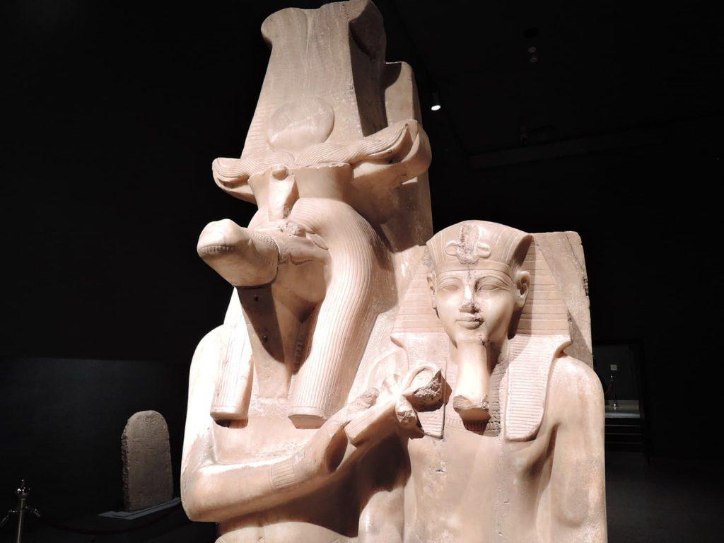 ルクソール博物館、セベク神とファラオの像