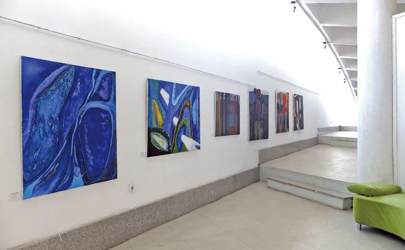「美」 ギャラリーで、カフェで、エチオピアン・アートと出会う