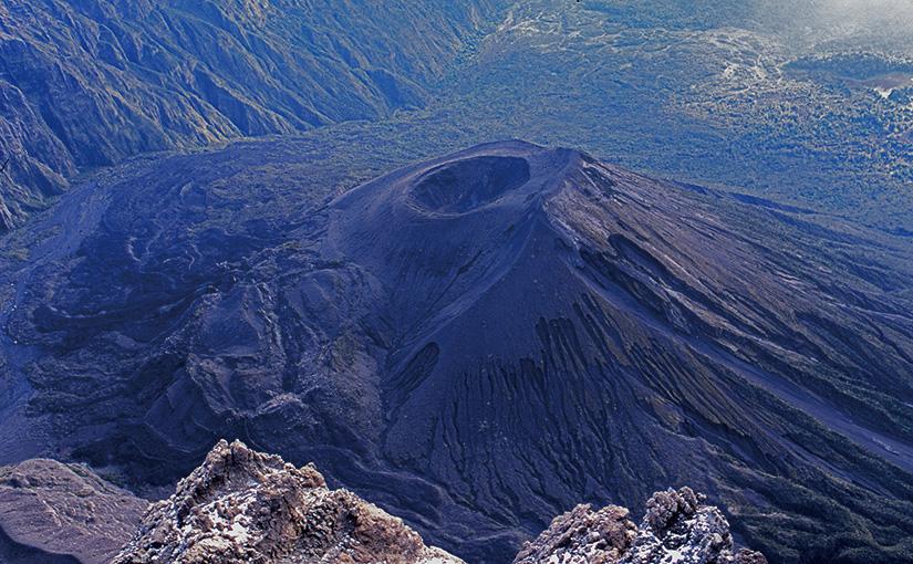 Africa Deep!! 65 火山とクレーター アフリカの山の魅力とは