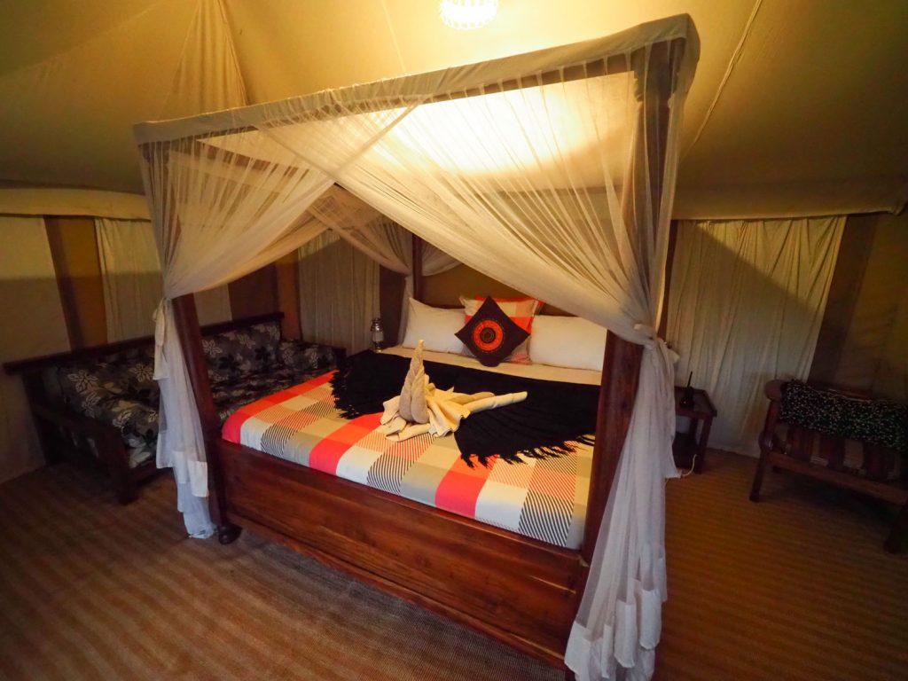 セロネラ地区の外れにあるアカシア・キャンプに宿泊