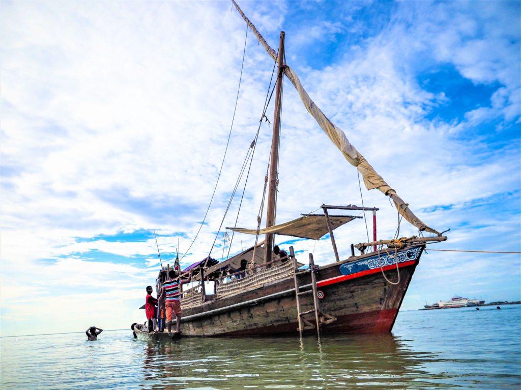 古来より変わらない木造帆船でのクルーズ。快適かどうかは人によりますが、ロマン溢れる極上の時間を過ごして頂けます。