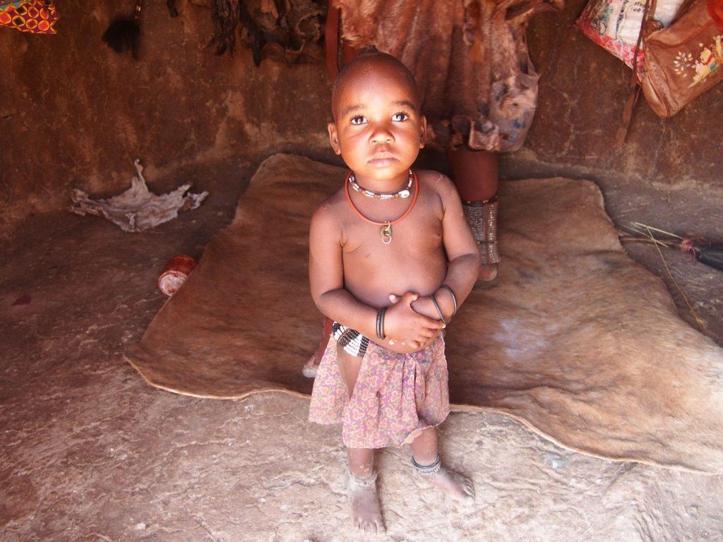 ヒンバの女の子。子供好きにはたまりません。可愛すぎます。