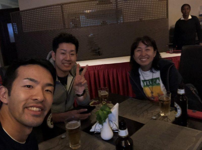 早川さんと合流し1泊目のホテルでごはん。
