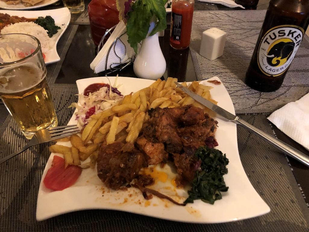 食料自給率が100%のケニアはごはんが最高においしいです。