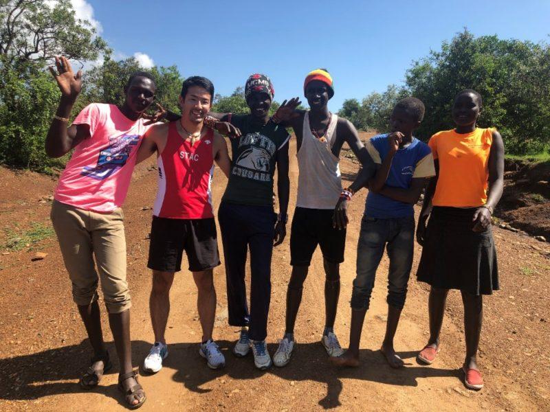 スワヒリ語は分からないので言葉は通じませんが、勝負を終えてみんなとの距離が縮まります。やはり『スポーツは世界を一つにする。』