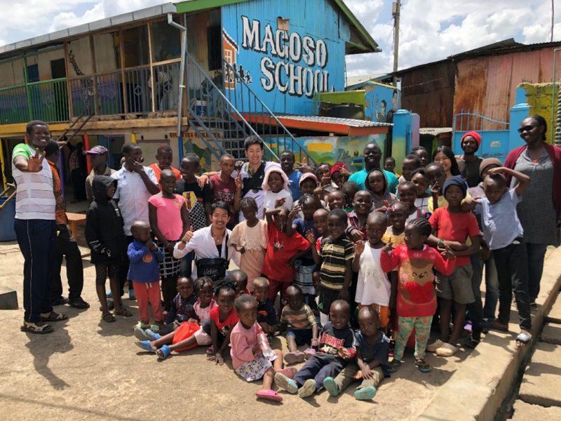 最後にみんなで写真撮影。マゴソは生きる希望・子供達の笑顔で溢れています!!!